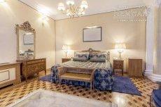 Дизайн спальні в старому фонді СПБ