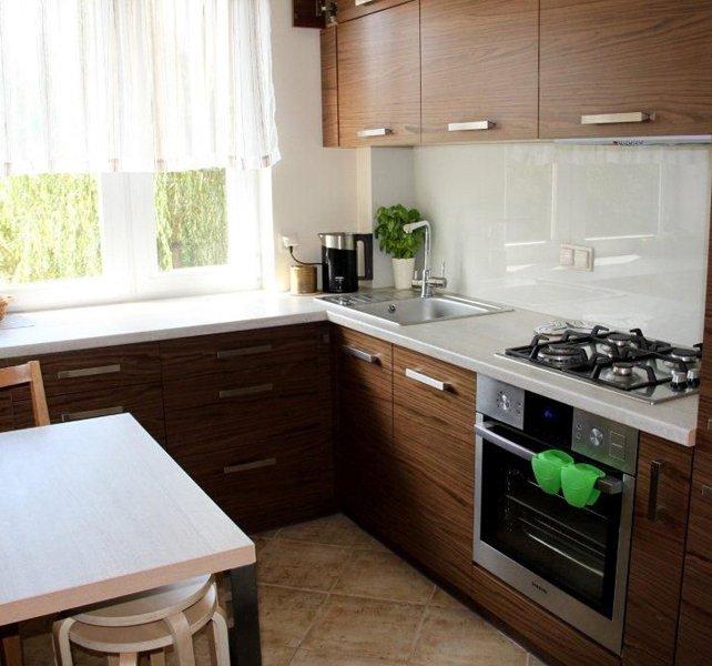 Маленька кухня фото інтер'єру