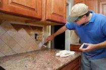 При косметичному ремонті повного демонтажу кухні можна уникнути