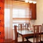 Штори для кухні з балконними дверима