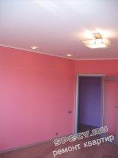 стіни кімнати пофарбовані фарбою на водній основі